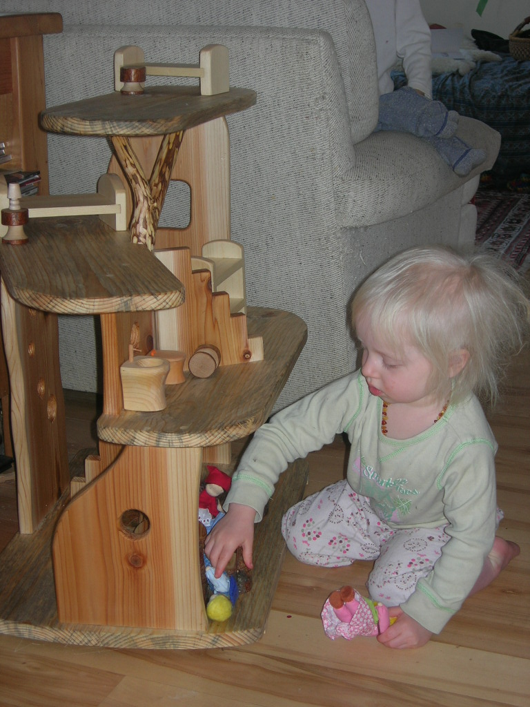 Christmas 2010 - dollhouse 4