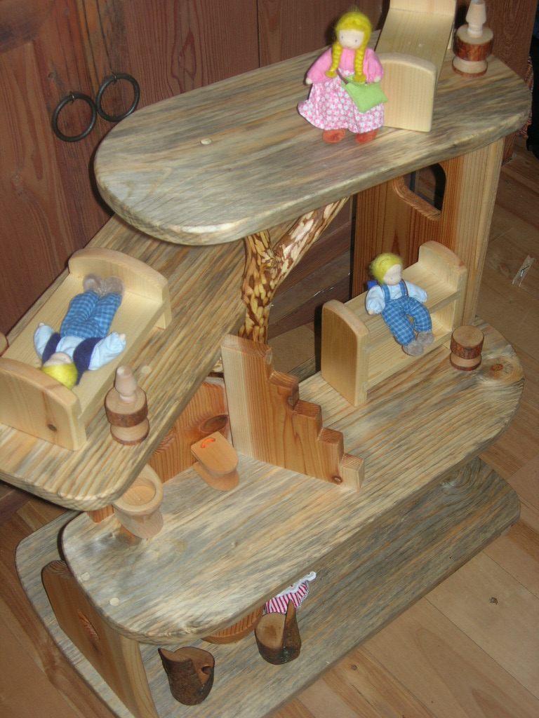Christmas 2010 - dollhouse 8