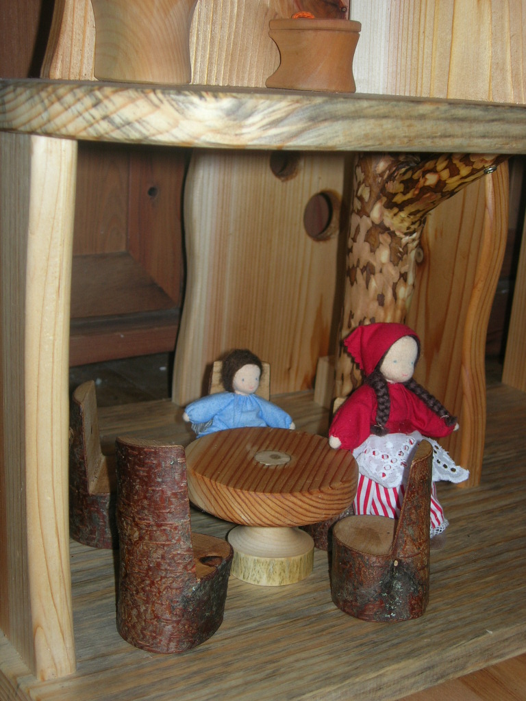 Christmas 2010 - dollhouse 6