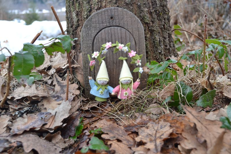 March 2011 - spring gnomes 1