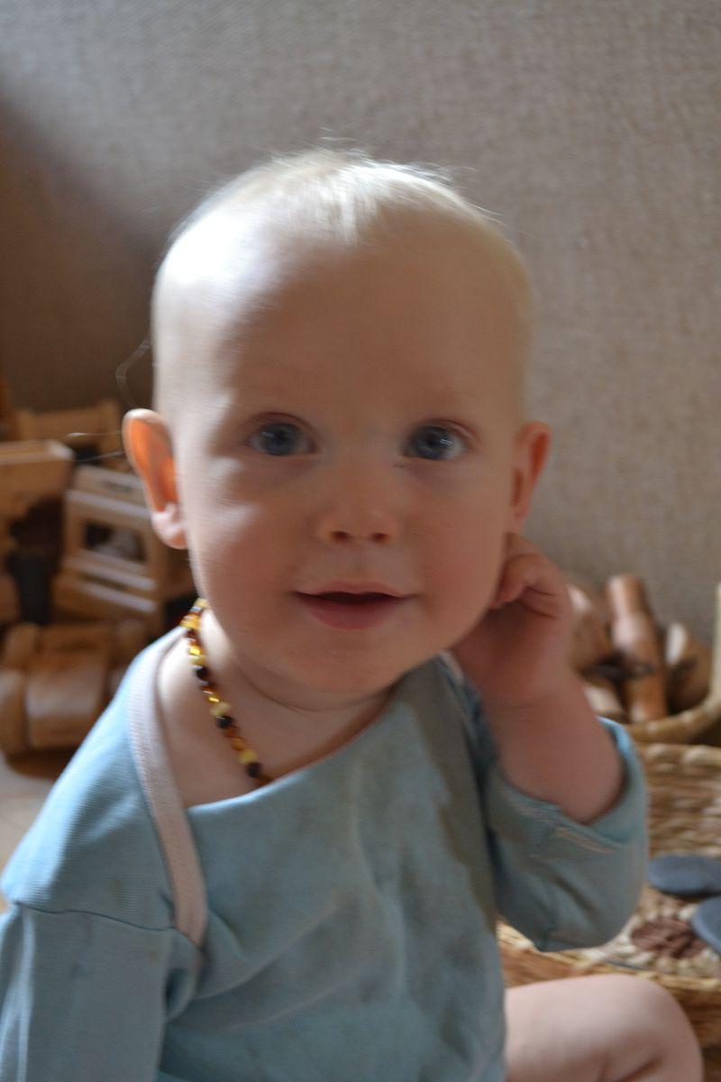 August 2011 - baby signs - listen