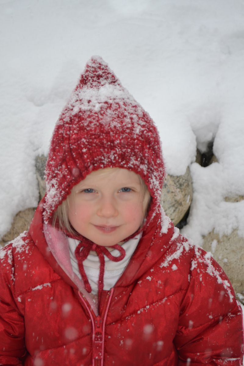 January 2012 - snowing 2