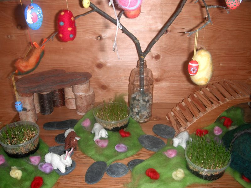April 2012 - Easter tree 1a