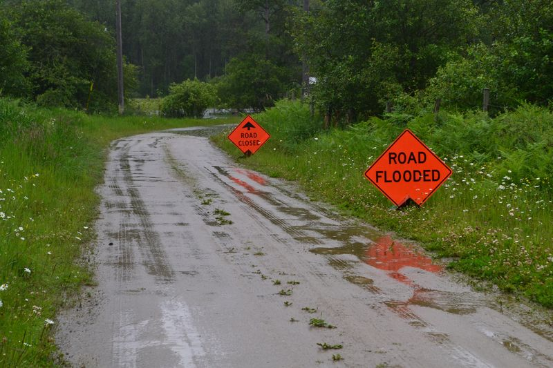 June 2012 - flood 13 - Picard
