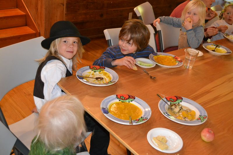 October 2012 - Harvest Lunch 16