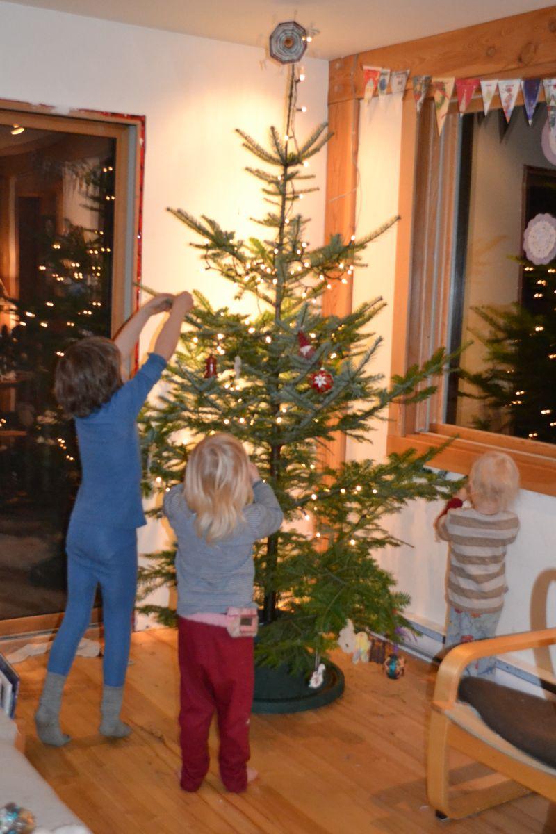 Christmas 2012 - tree 11